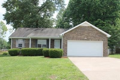 Clarksville Single Family Home Active - Showing: 622 Ashley Oaks Dr