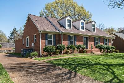 Franklin Single Family Home Active - Showing: 135 Yorktown Rd