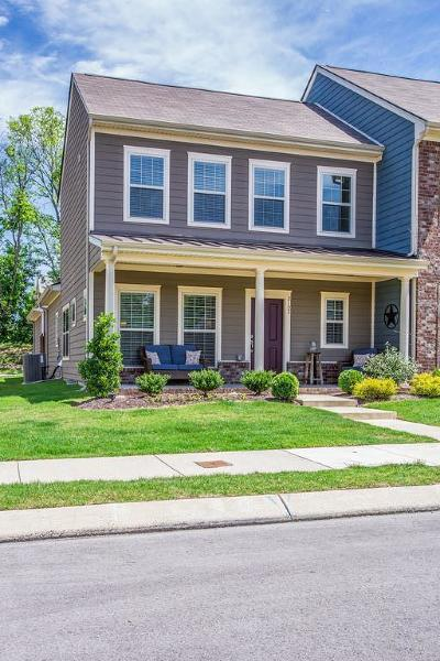 Spring Hill Condo/Townhouse Active - Showing: 2102 Hemlock Dr