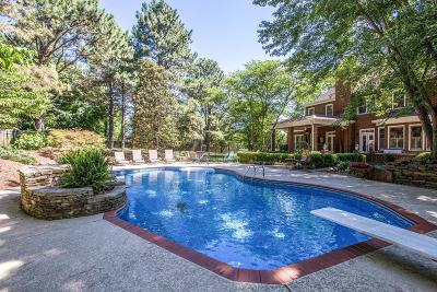 Franklin Single Family Home Active - Showing: 1070 Lewisburg Pike