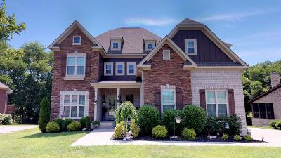 Spring Hill Single Family Home Under Contract - Showing: 4019 Campania Strata
