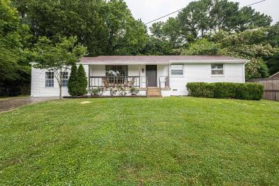 Nashville Single Family Home Active - Showing: 220 Shawn Dr