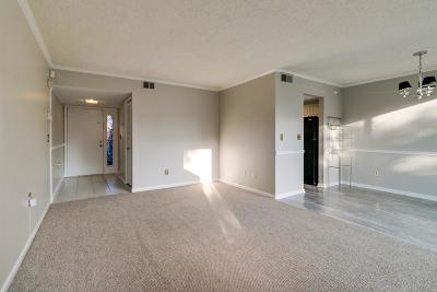 Davidson County Condo/Townhouse Under Contract - Showing: 6 Sycamore Ct