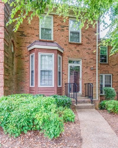 Condo/Townhouse Active - Showing: 3110 W End Cir Apt 2