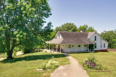 Culleoka Single Family Home For Sale: 3304 Smyrna Church Rd