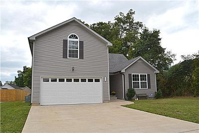 Clarksville Single Family Home Active - Showing: 1294 Keech Dr
