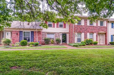 Davidson County Condo/Townhouse Under Contract - Showing: 8300 Sawyer Brown Rd Apt E302 #E-302