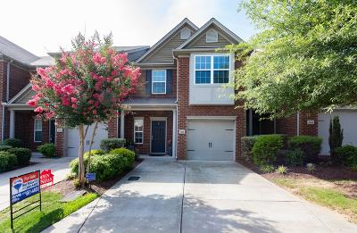 Davidson County Condo/Townhouse Active - Showing: 1068 Ashmore Dr #1068