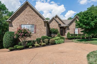 Franklin Single Family Home For Sale: 434 Woodcrest Ln