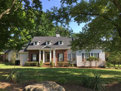 Old Hickory Single Family Home For Sale: 4713 Hunters Crossing Dr
