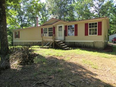 Lobelville Single Family Home For Sale: 11014 Crooked Creek Rd