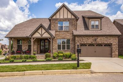 Thompson's Station, Thompsons Station Single Family Home Under Contract - Showing: 2690 Paddock Park Dr