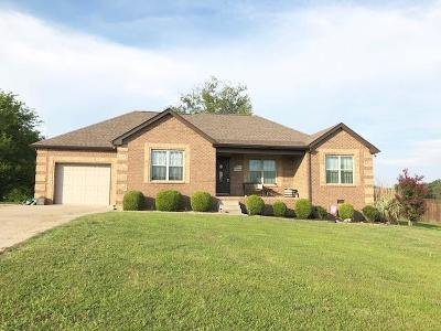 Lebanon Single Family Home Under Contract - Showing: 304 Legends Ln