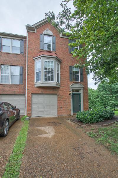 Franklin Condo/Townhouse For Sale: 667 Huffine Manor Cir