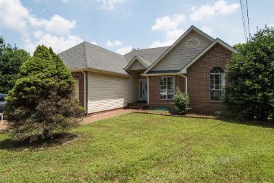 Nashville Single Family Home For Sale: 705 Bradford Hills Cv