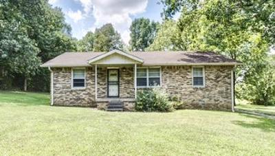 Lebanon Single Family Home For Sale: 17250 Central Pike