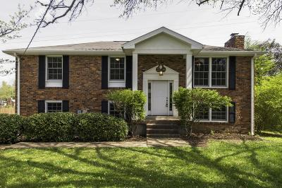 Nashville Single Family Home For Sale: 736 W Harpeth Pkwy W