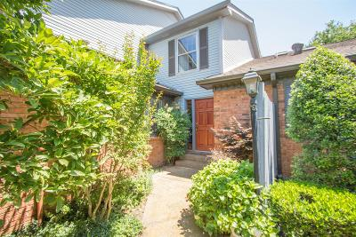 Brentwood Condo/Townhouse For Sale: 218 Hearthstone Manor Ln