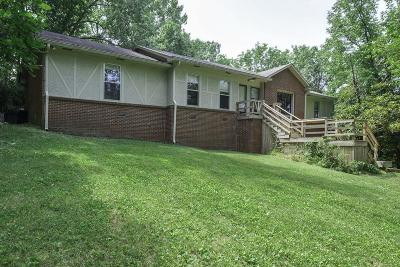 Nashville Single Family Home For Sale: 5735 Knob Rd