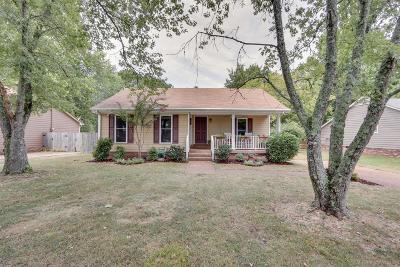 Single Family Home Sold: 976 Beech Bend Dr