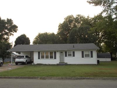 Lawrenceburg Single Family Home For Sale: 1305 Beckham Ave