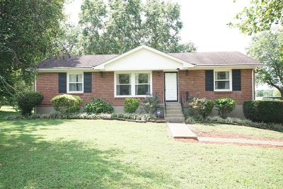 Nashville Single Family Home For Sale: 2463 Cabin Hill Rd