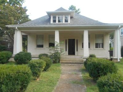 Rutherford County Single Family Home Under Contract - Showing: 708 E Burton St