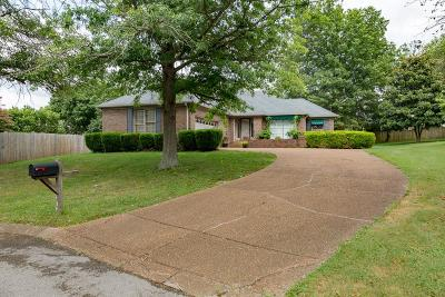 Franklin Single Family Home Under Contract - Showing: 436 S Cardinal Ct
