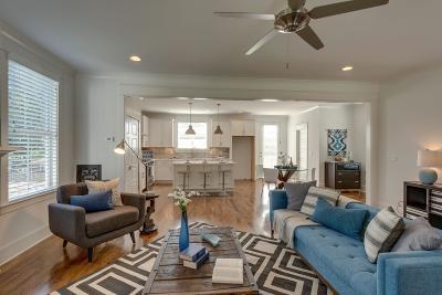 Nashville Single Family Home For Sale: 2815 A Hody Dr