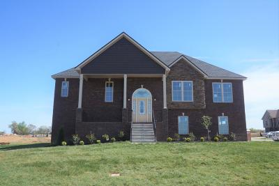 Clarksville Single Family Home Under Contract - Showing: 373 Autumnwood Farms