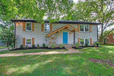Nashville Single Family Home For Sale: 704 Tobylynn Dr