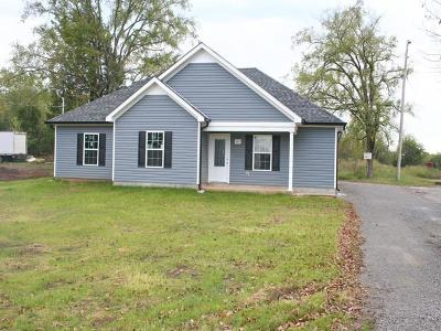 Lewisburg Single Family Home For Sale: 441 Holly Grove Rd