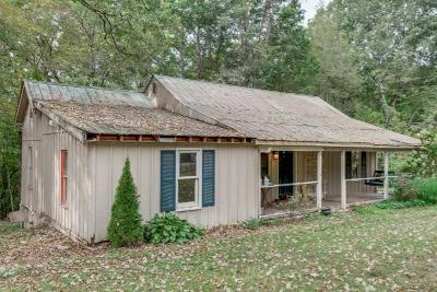 Ashland City Single Family Home For Sale: 2659 Old Clarksville Pike