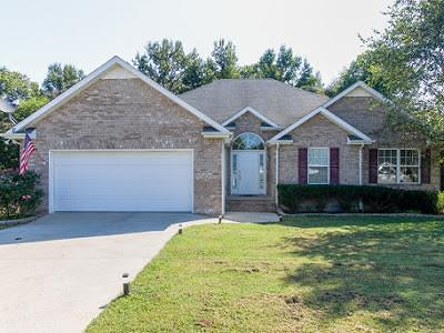 Single Family Home For Sale: 62 May Anne Ln