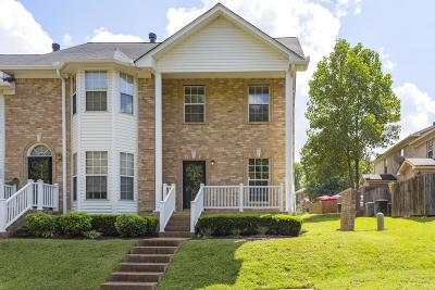 Davidson County Condo/Townhouse For Sale: 147 Lakebrink Dr