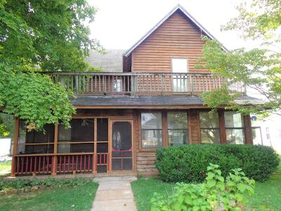 Lawrenceburg Single Family Home For Sale: 121 Groh St