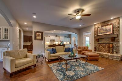 Single Family Home For Sale: 13 Fox Vale