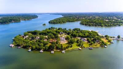 Wilson County Single Family Home For Sale: 321 Harbor Dr