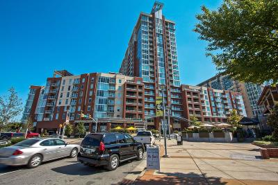 Condo/Townhouse Under Contract - Showing: 600 12th Ave S Apt 1711