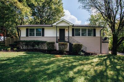 Nashville Single Family Home For Sale: 324 Bowwood Dr