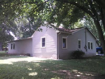Murfreesboro Single Family Home For Sale: 407 Villa