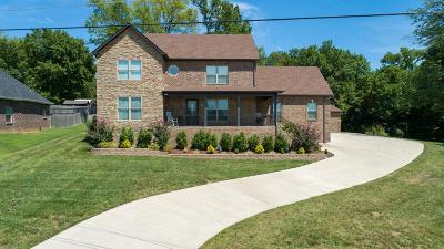 Lavergne Single Family Home Under Contract - Showing: 6883 Buffalo Dr