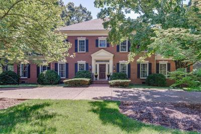 Belle Meade Single Family Home For Sale: 22 Lynwood Ln