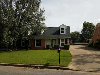 Single Family Home For Sale: 1816 Herald Ln