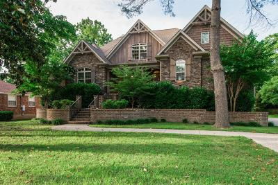 Nashville Single Family Home For Sale: 2828 Sugar Tree Rd