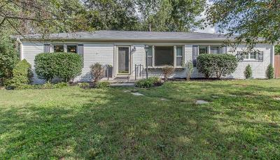Davidson County Single Family Home For Sale: 1206 Kenmore Pl