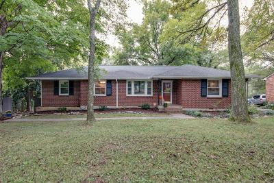 Nashville Single Family Home For Sale: 623 Oakley Dr