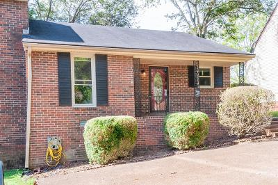 Nashville Single Family Home Under Contract - Showing: 3193 Trails End Ln