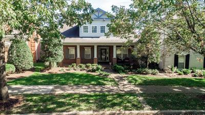 Franklin Single Family Home For Sale: 321 Keswick Grove Ln