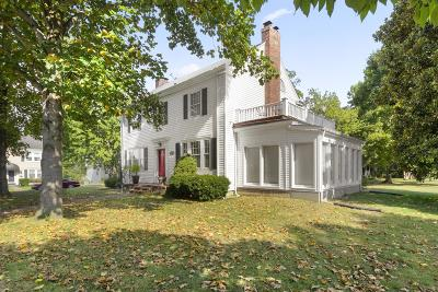 Old Hickory Single Family Home For Sale: 810 Riverside Dr